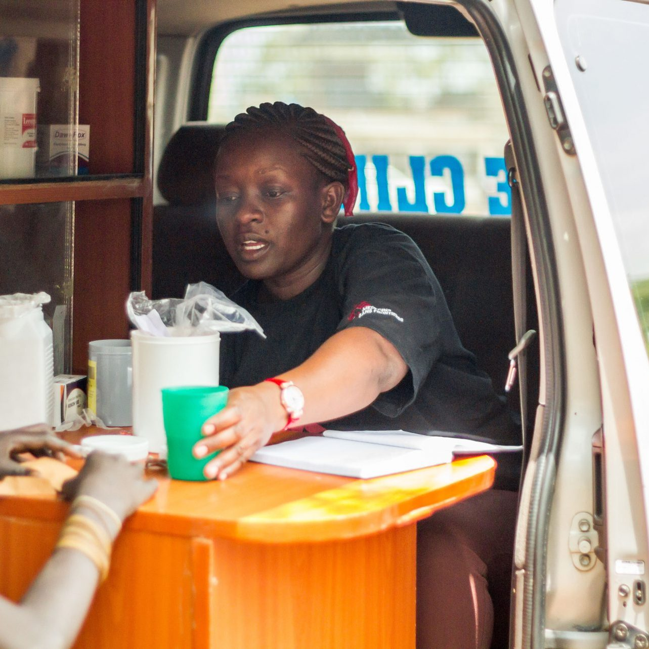 Mobile-Clinic-12